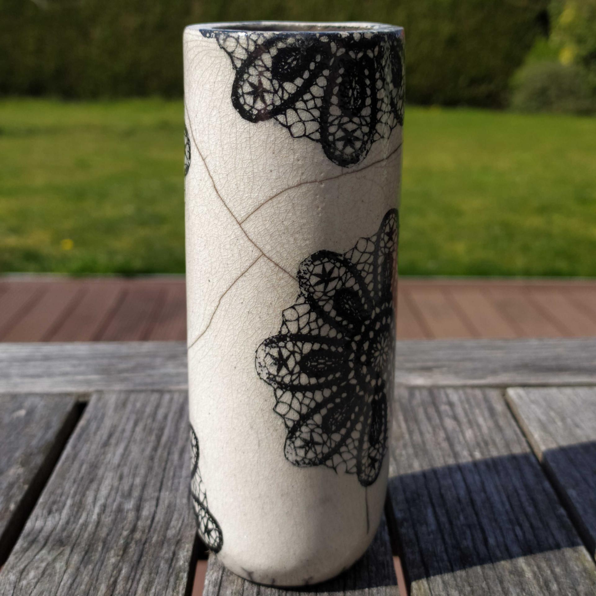 Vase etroit dentelle1
