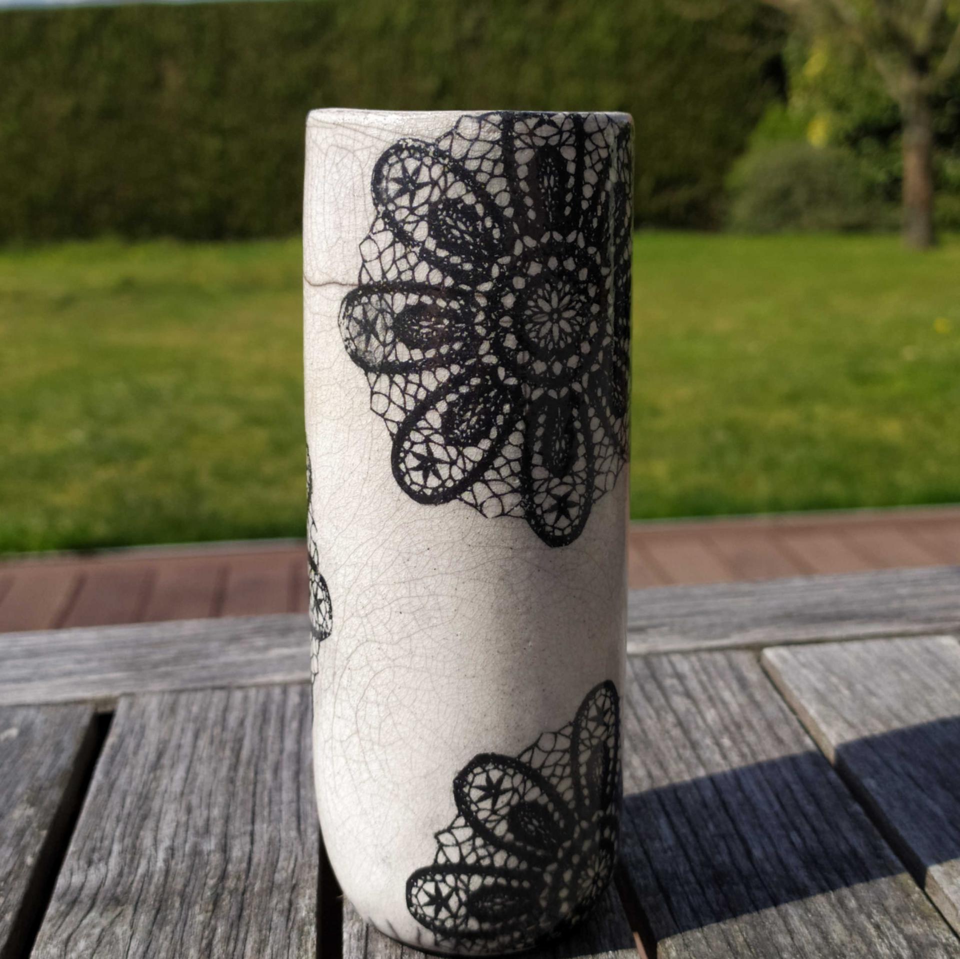 Vase etroit dentelle2