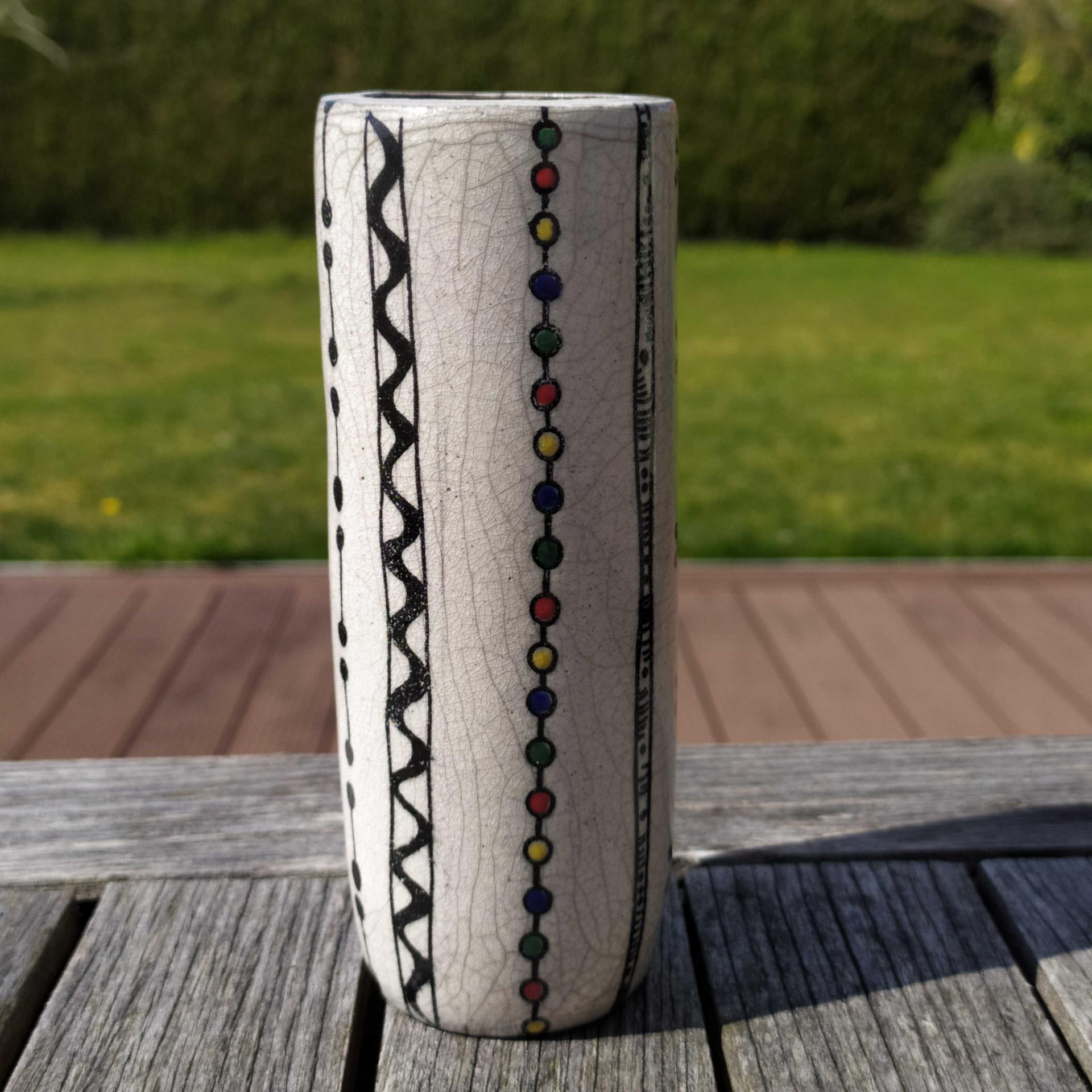 Vase etroit lignes colorees1