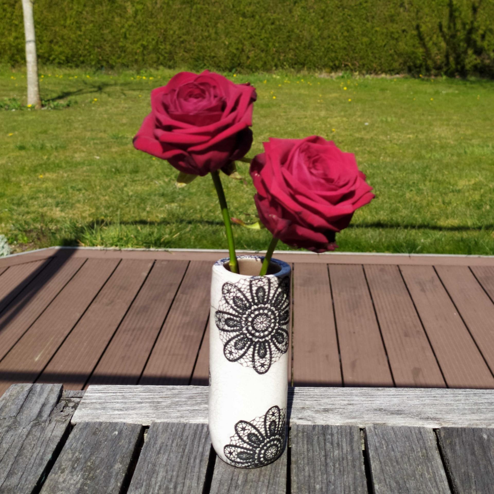 Vase petit tube dentelle2