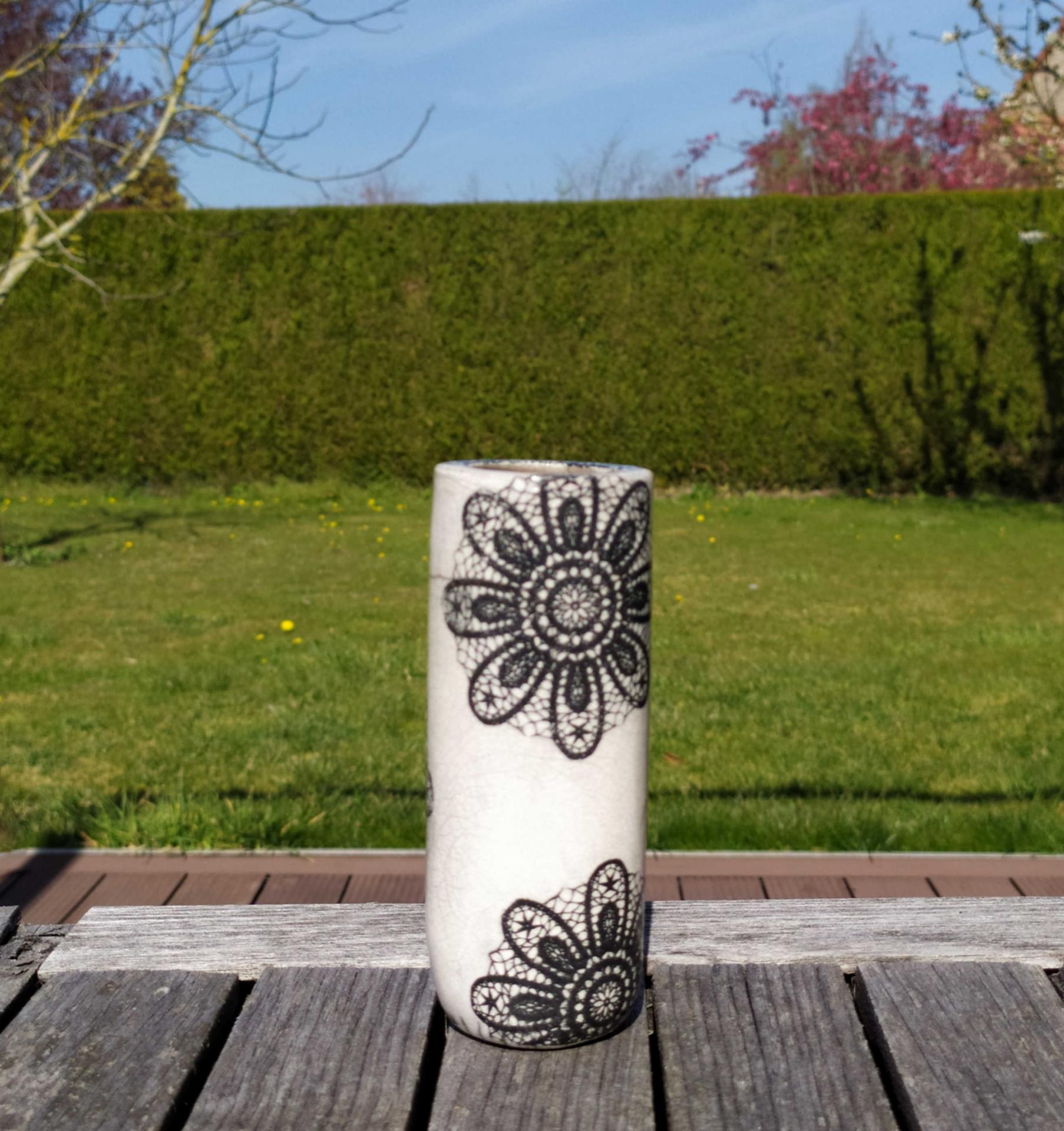 Vase petit tube dentelle3