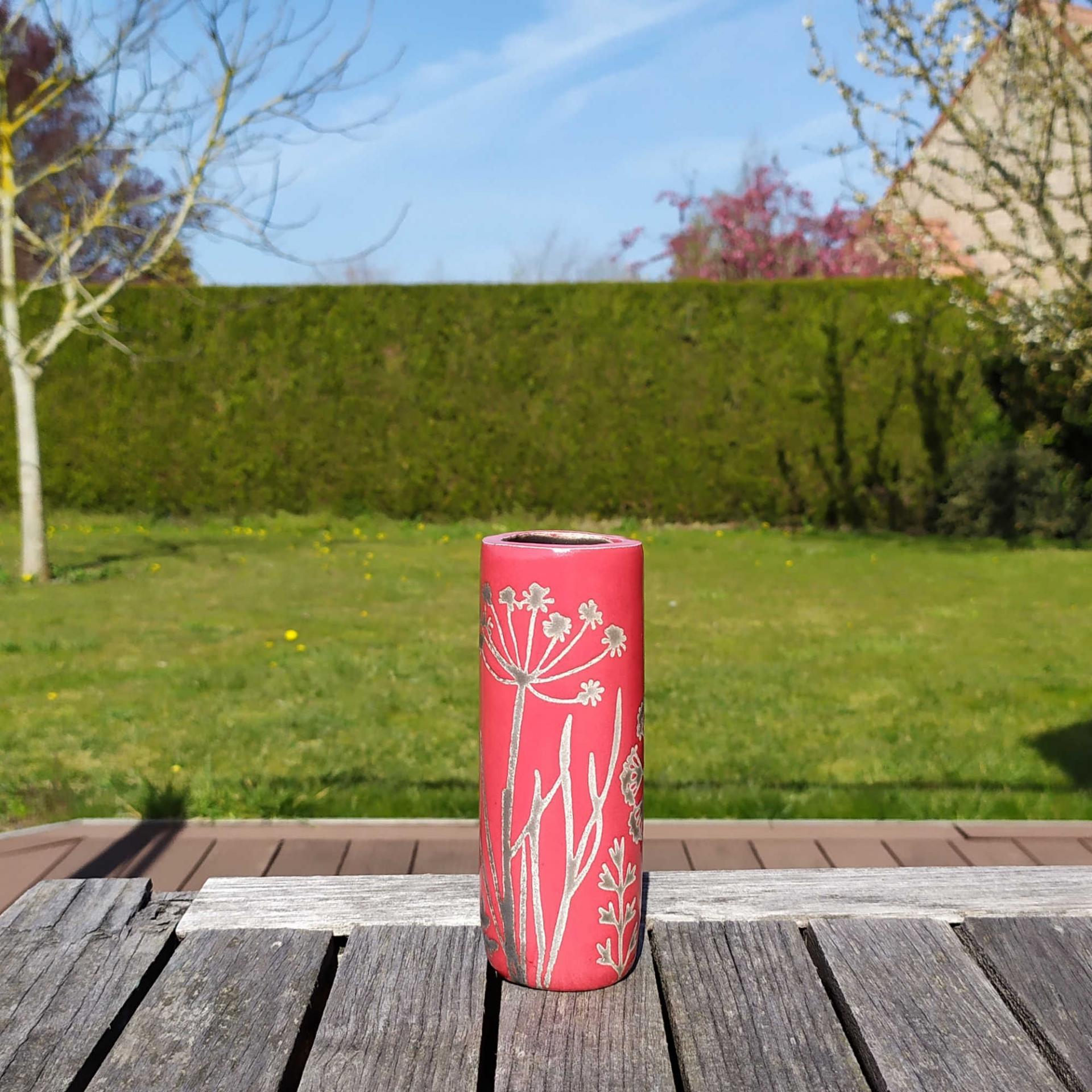 Vase petit tube hf rouge1