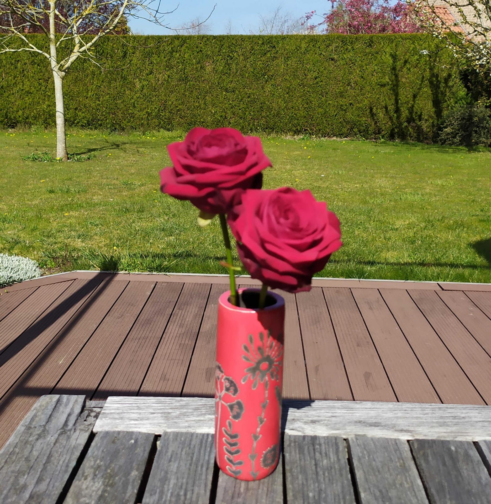 Vase petit tube hf rouge2