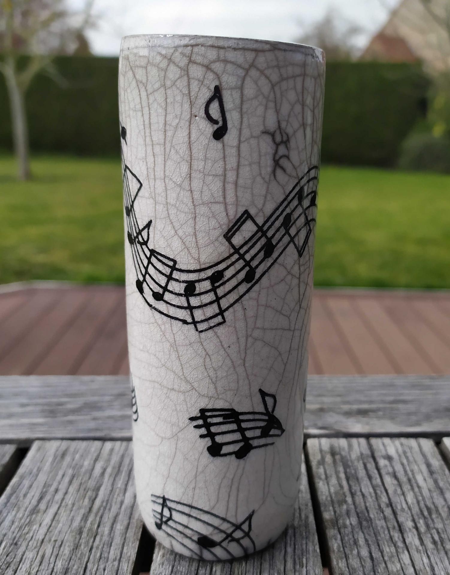 Vase petit tube musique2